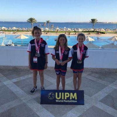 U11 Triathle Team Silver with Minnie .jpg